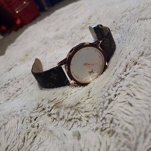 Other - Non authentic unisex lv watch